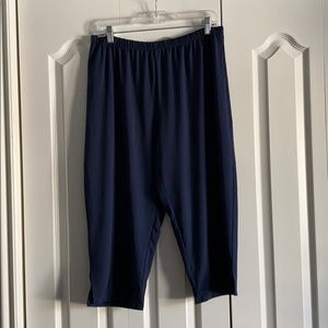 Capri navy pants